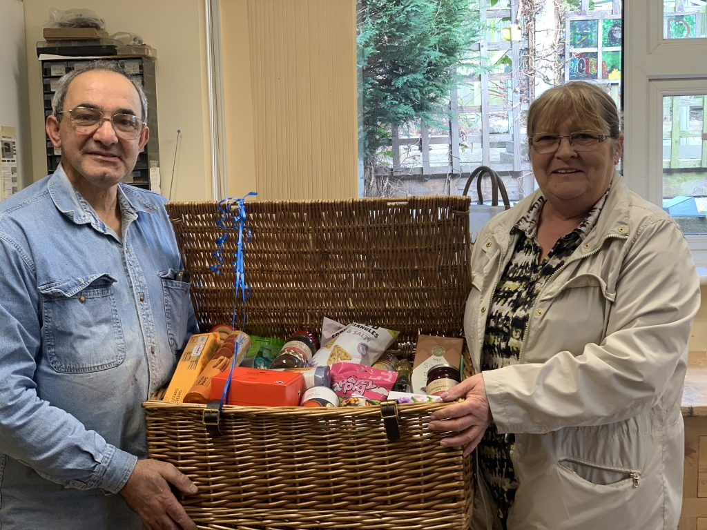 headway leicester hamper